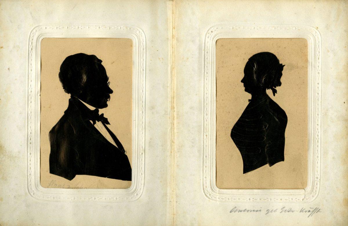 Album mit Porträtsilhouetten aus dem Nachlass der Familie Schallhammer