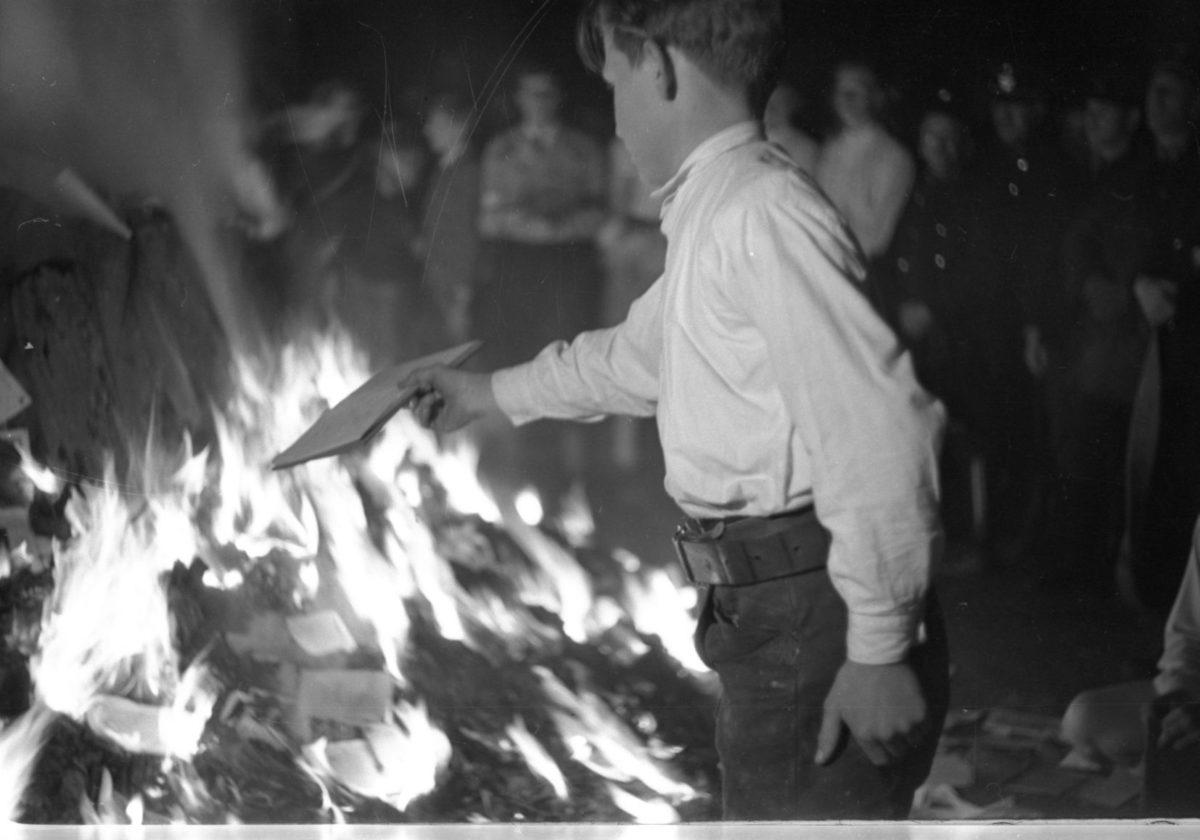 Bücherverbrennung auf dem Residenzplatz
